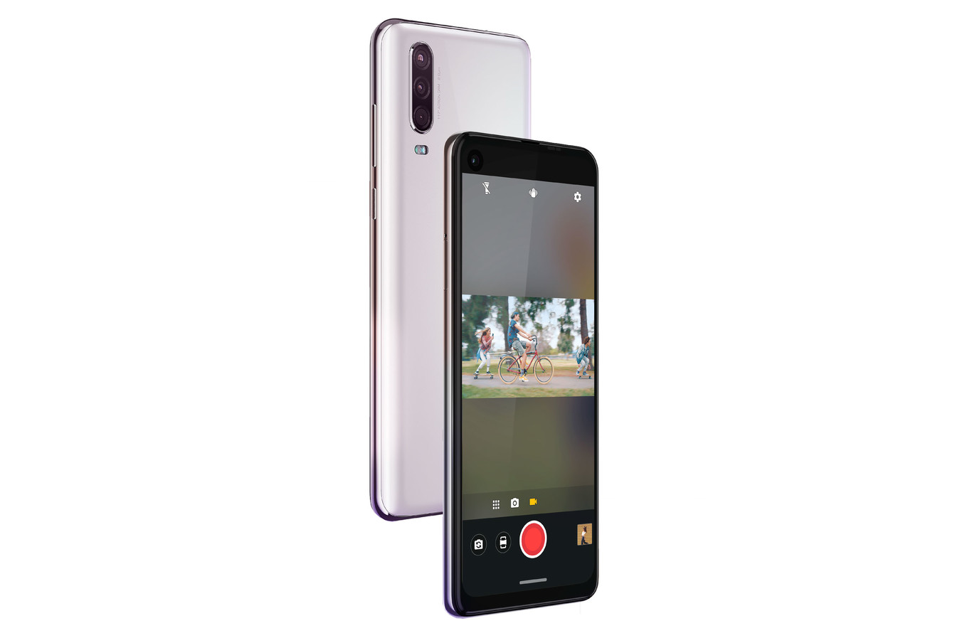 New Motorola One Action with action camera 2