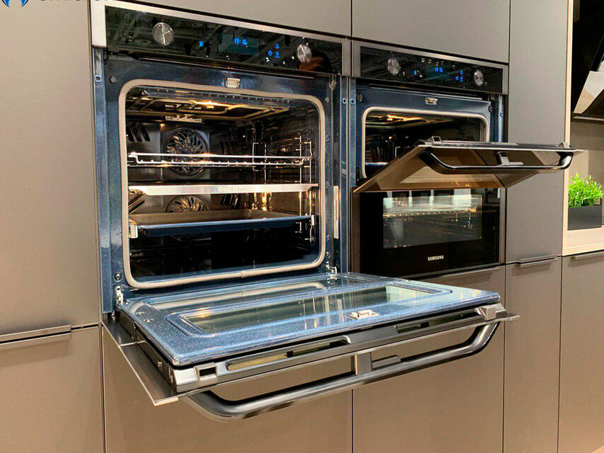 Samsung's new oven is modular and can cook 2 dishes at once 1