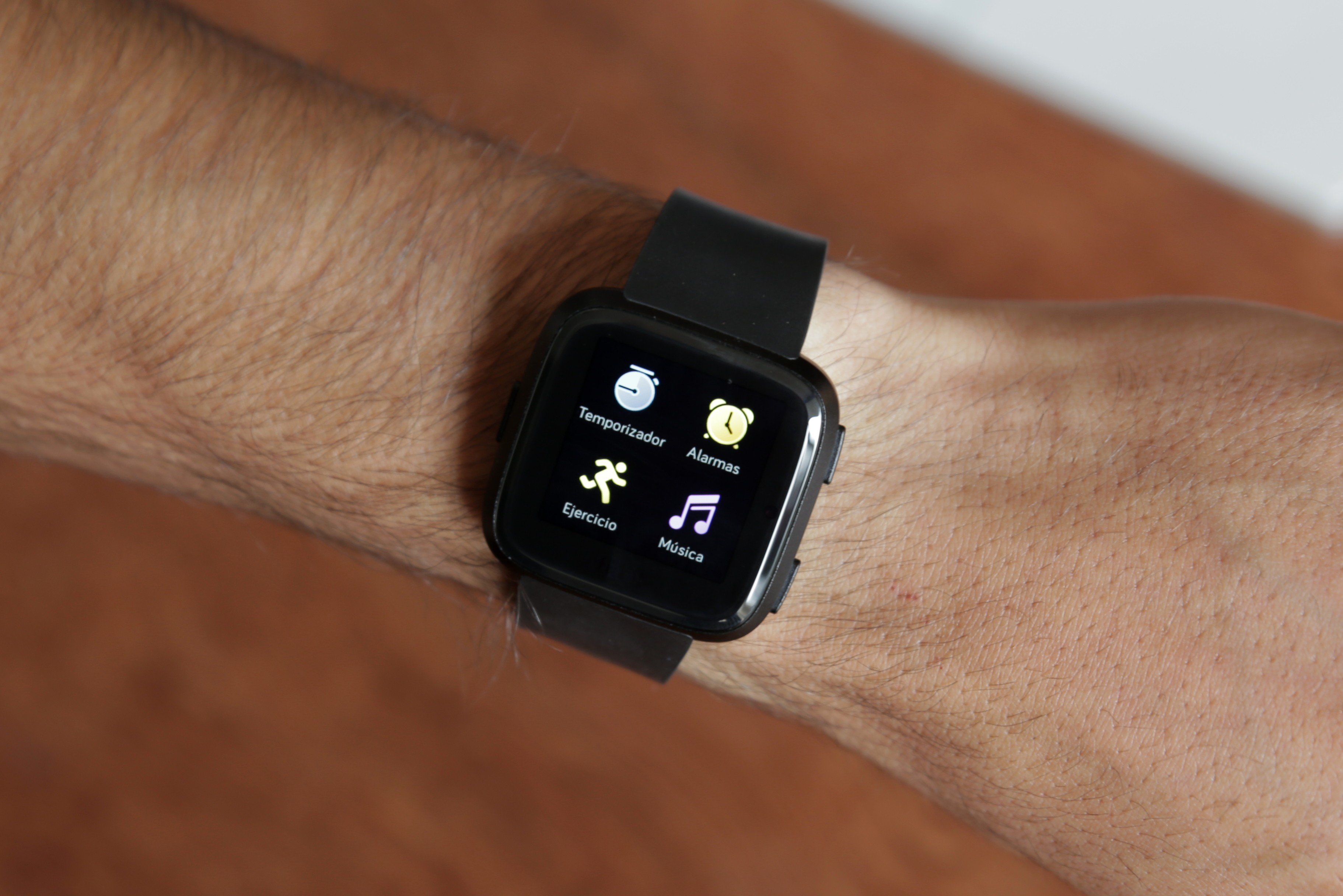 Review Fitbit Versa 7
