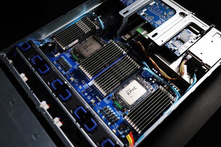Gigabyte R282-Z90 motherboard with dual socket and two AMD EPYC ROME CPUs