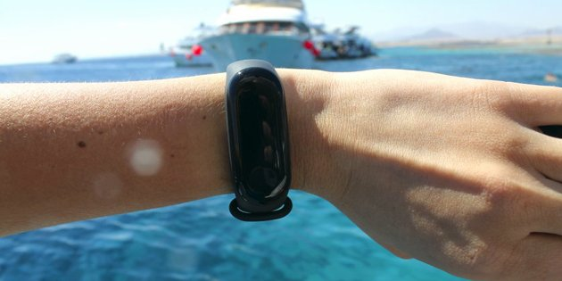 Xiaomi Mi Band 4 sale started: why is it better than Mi Band 3? 1