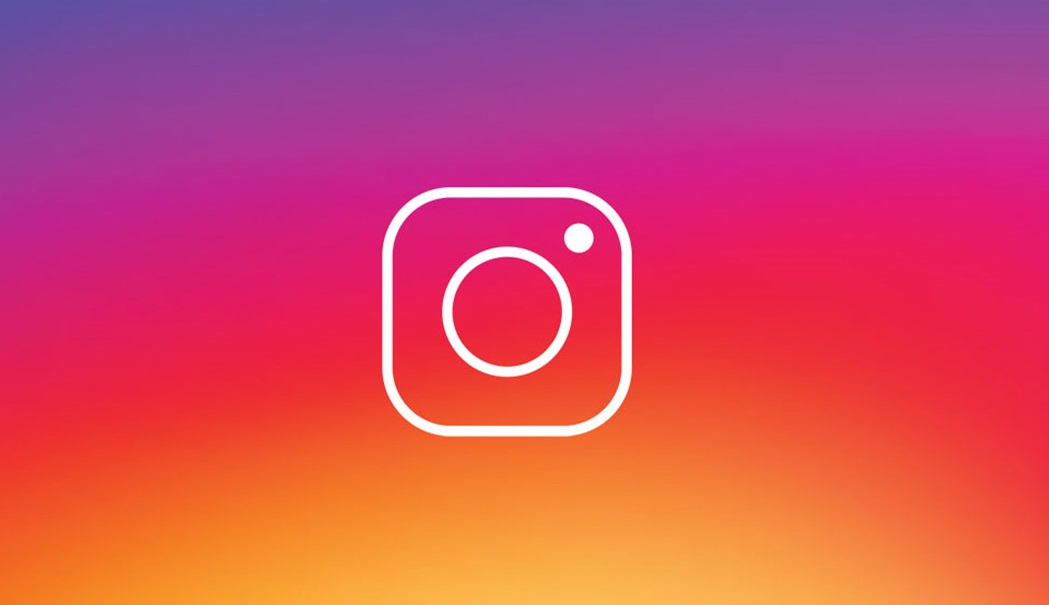 Instagram  already let use filters in live videos: so you can put