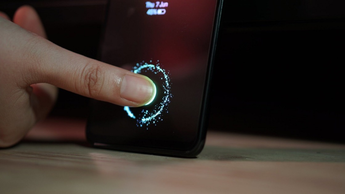 Android smartphones may use fingerprint sensor to sign in to Google services