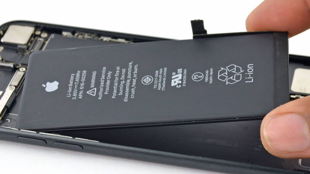 Apple start blocking phones that have unofficial batteries 2