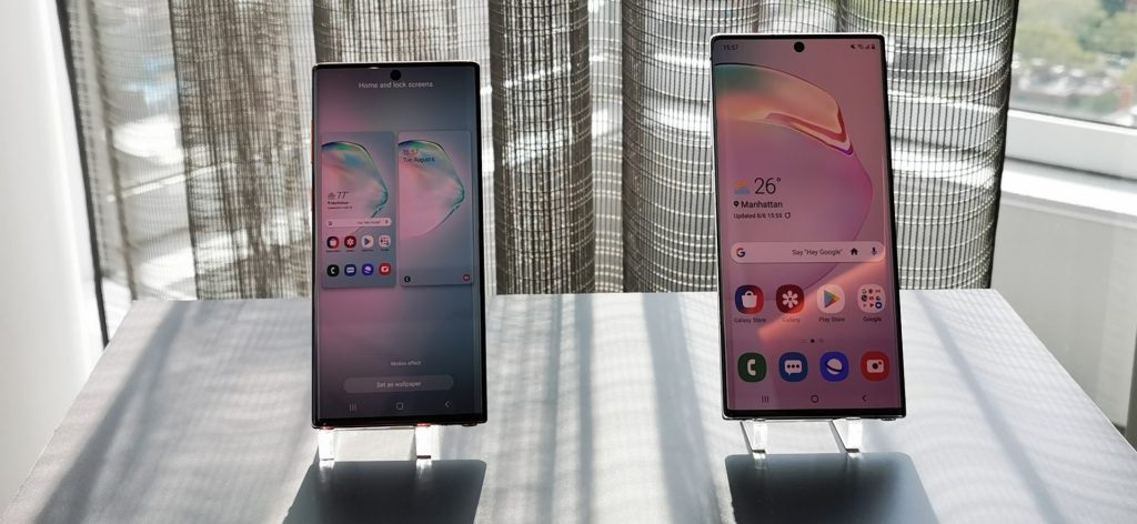 O Galaxy Note  10 has a 6.3 '' screen; already the Note 10+ brings 6.8 ''