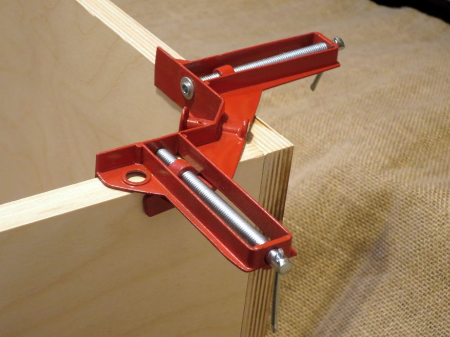 Angle clamp: a small, inexpensive, but very useful tool 3