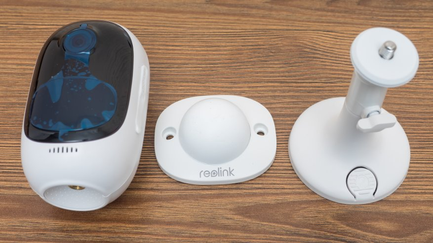 Reolink Argus 2: a standalone IP camera with a battery and the ability to charge from the solar panel 56