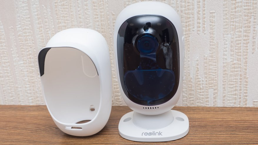Reolink Argus 2: a standalone IP camera with a battery and the ability to charge from the solar panel 75