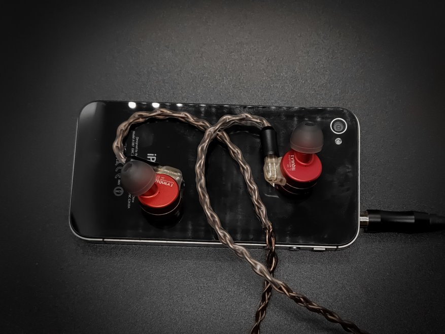TFZ Tequila 1: bright design headphones with high-quality sound 47