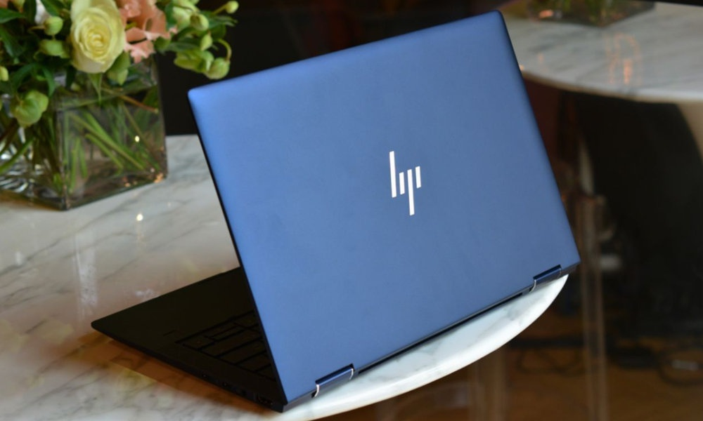 HP Elite Dragonfly, the corporate 2 in 1 under 1kg