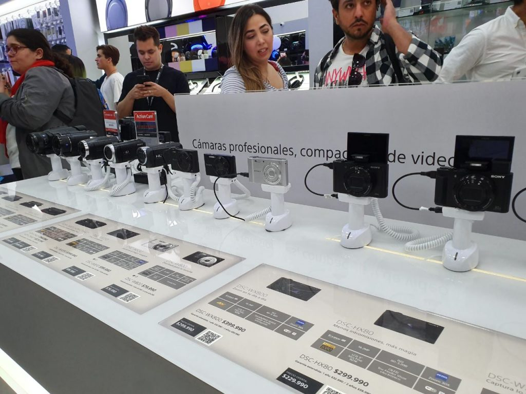 Sony Chile opens two new stores in Parque Arauco and Arauco Maipú 8