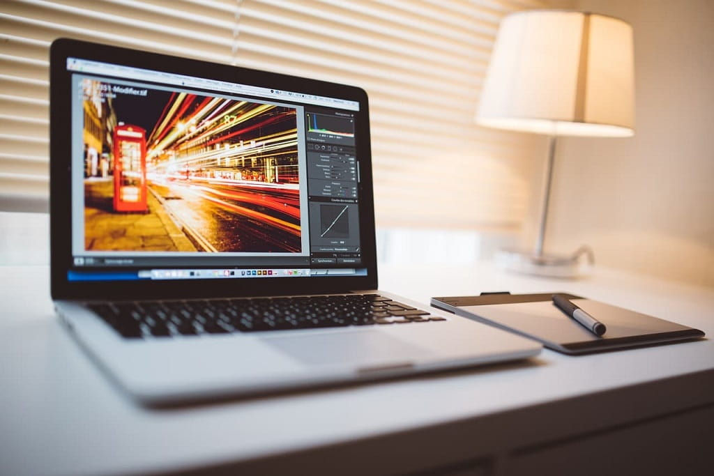 8 interesting apps to edit photos and create free designs