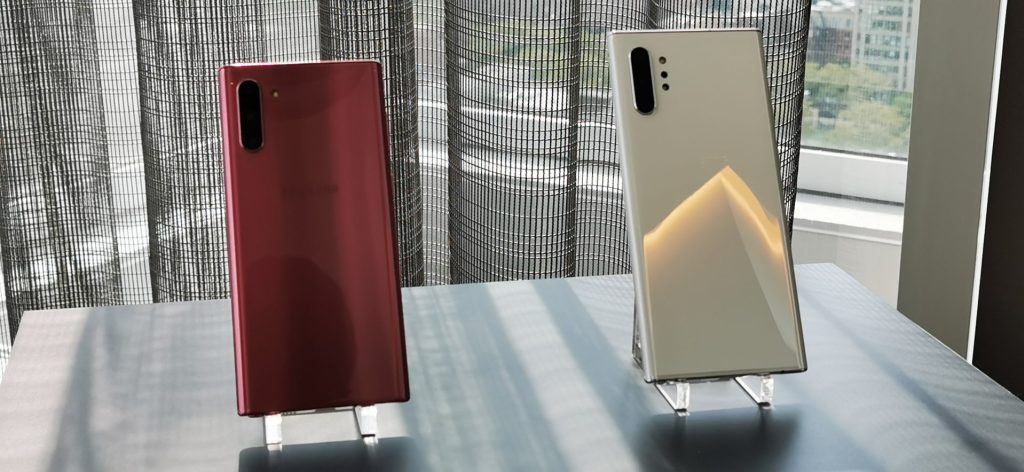 Galaxy Note  10 and Note 10+ side by side