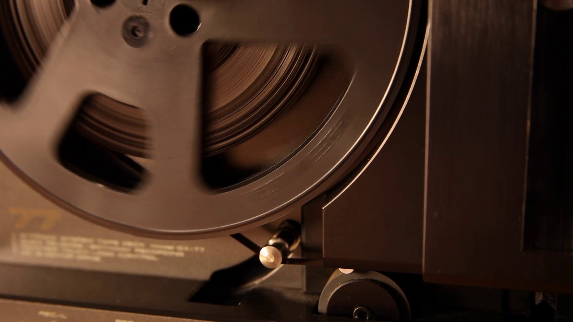 magnetic tape and magnetic disk