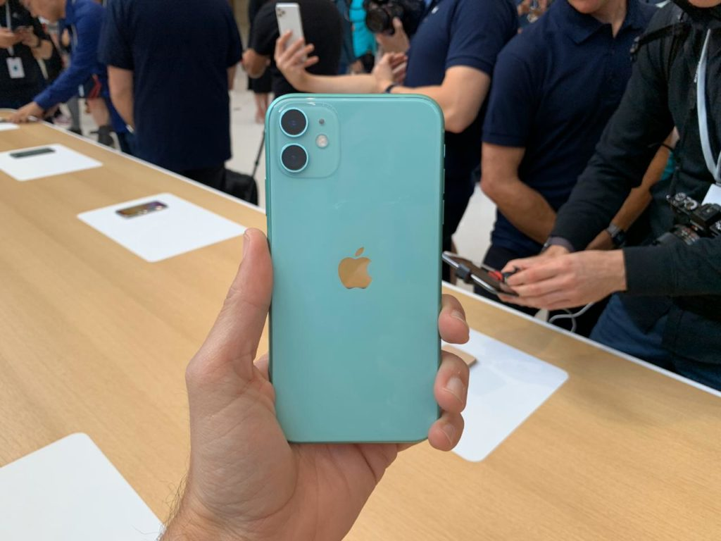 iPhone 11 vs iPhone XR: should you buy the new iPhone? 1