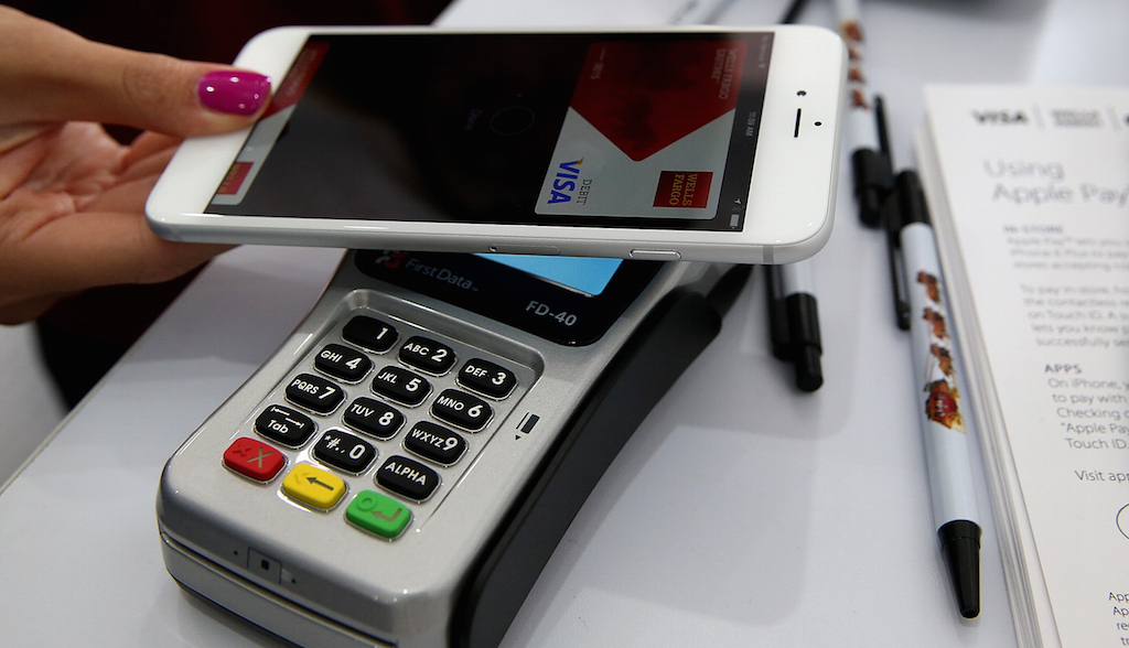 How to configure contactless payment on iPhone and Android?